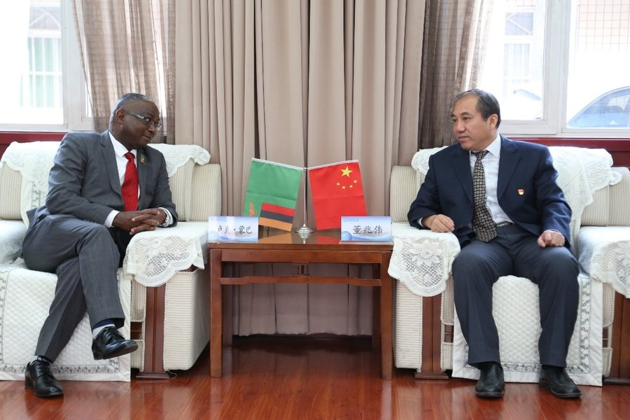 UNZA Vice Chancellor, Prof Luke Mumba in bilateral discussions with the HUEB Chancellor Prof Dong Zhaowei